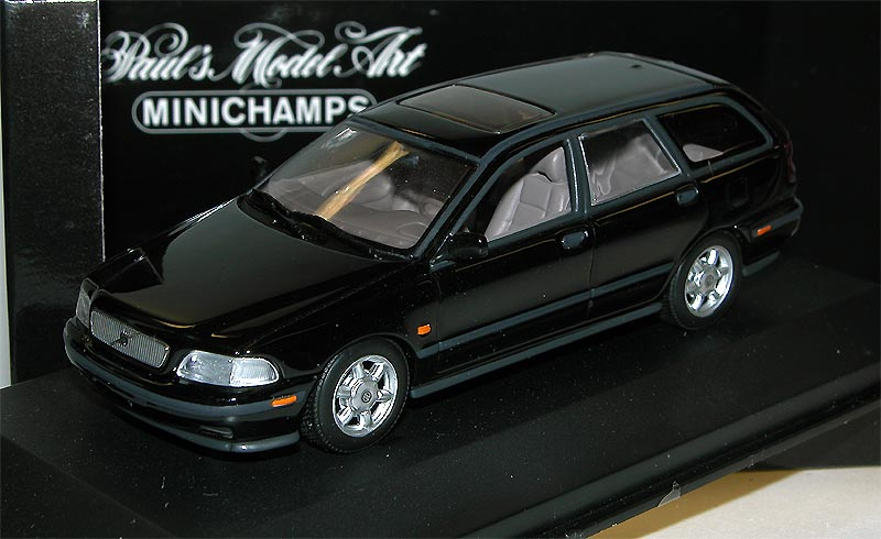 minichamps 430171511 volvo v40 break 1996 black 1 43 ovp ebay. Black Bedroom Furniture Sets. Home Design Ideas